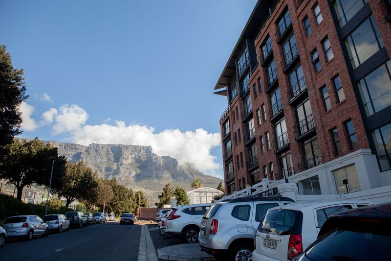 Property For Sale in Gardens, Cape Town 22